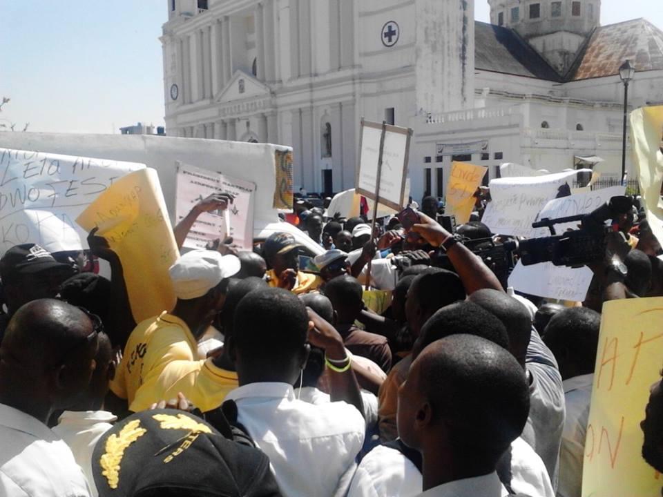 Haiti: Perte de 700 millions de dollars en 45 jours de protestations politiques