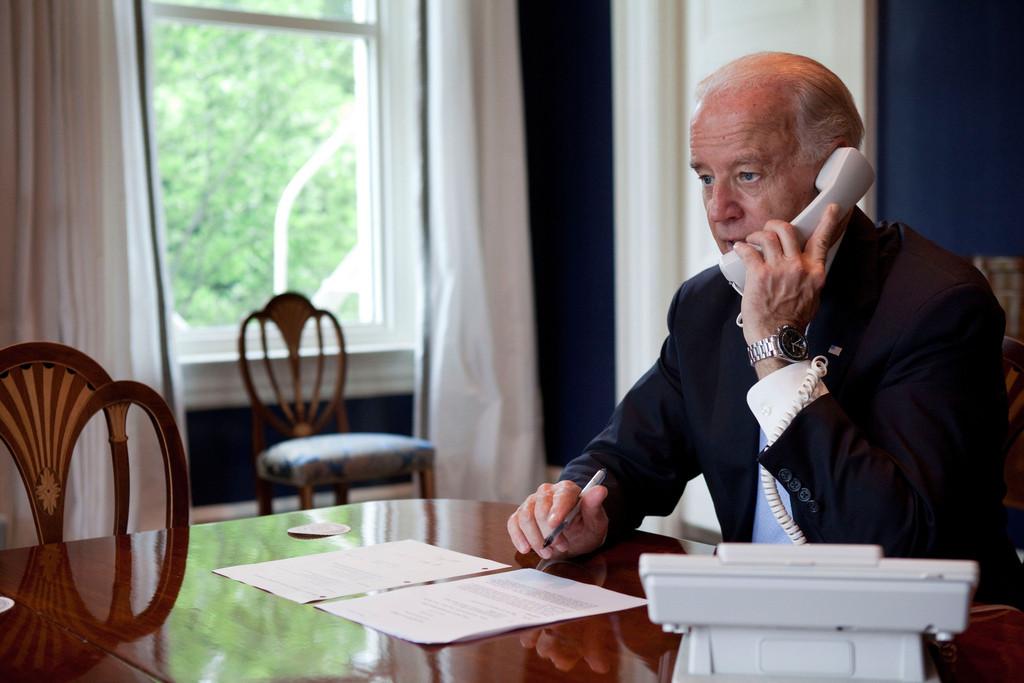 Monde: Biden déplore le manque de coopération de l'administration Trump dans la transition