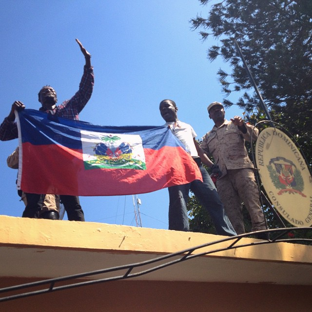 Ayiti drapo