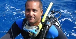 Monde: Le biologiste marin haïtien, Jean Wiener, gagne le prix de l'activisme environnemental