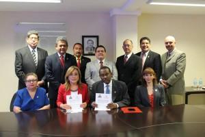 Monde: Accord de cooperation entre l'Ambassade d'Haiti et l'Université Noreste