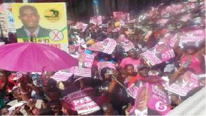 Haiti: Des sympathisants de LAPEH au sein de la manifestation du PHTK