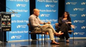 Monde: L'ex-Président Michel Martelly effectue la vente-signature de son autobiographie