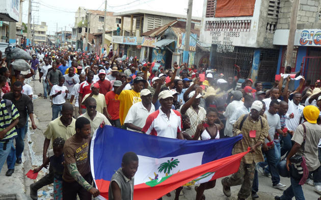 Haïti: L'opposition manifeste contre l'ingérence étrangère dans la politique du pays
