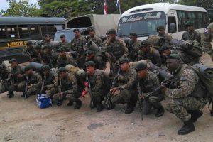 Monde: Renforcement de la sécurité tout le long de la frontière par des soldats dominicains