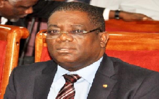 Haiti: Le sénateur Ronald Lareche invite Carl Murat Cantave à démissionner pour incapacité
