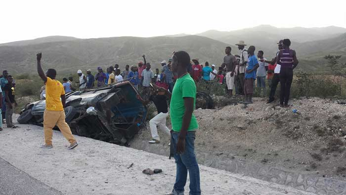 HAITI: Un terrible accident de la route fait au moins 3 morts ( Video )