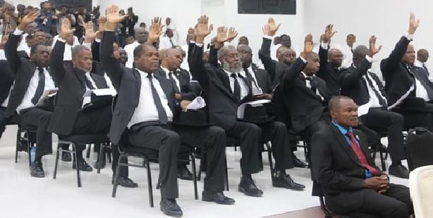 Haiti: Jovenel Moïse veut que le  Parlement vote une loi pour criminaliser la contrebande,  la fraude et  l'évasion fiscale