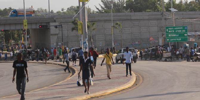 Haiti: La vie reprend dans la capitale  après plus de huit semaines de paralysie