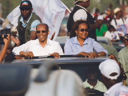 HAITI: Protestation contre Aristide aux Gonaïves ( video )