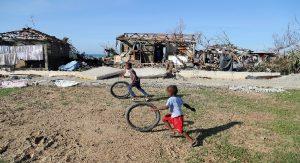 Haiti: Plus de 100.000 enfants ne pourront pas retourner en classe à cause des dégâts du cyclone Matthew