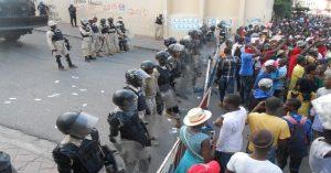 Haiti: Affrontements entre manifestants et policiers