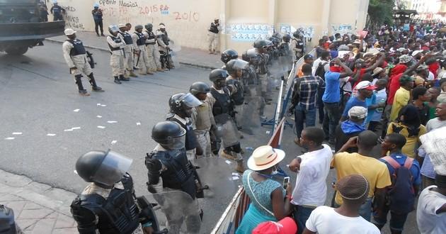 Haïti: Possibles poursuites contre ceux qui financent les manifestations visant à déstabiliser le pays
