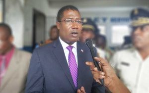 Haiti: L'ex ministre de la justice, Camille Édouard Junior, invité au cabinet d'instruction