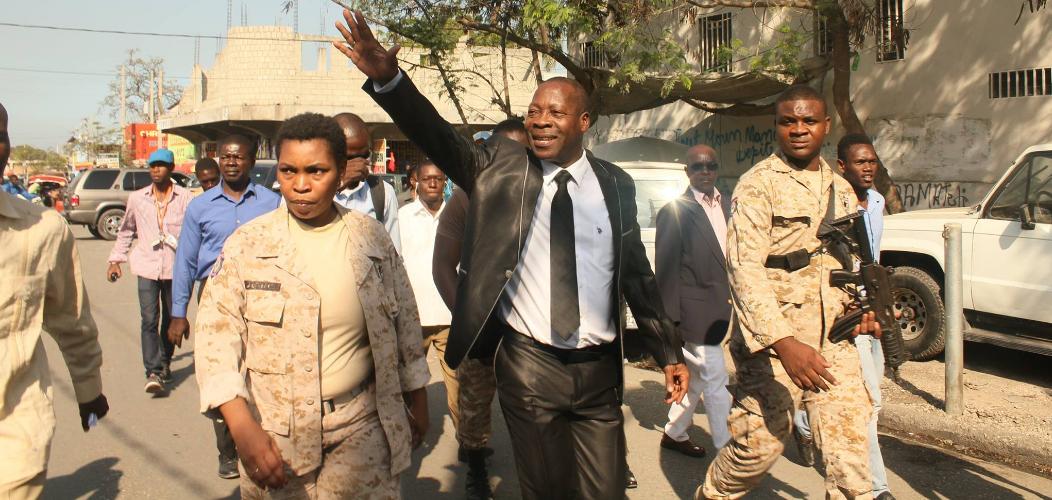 Danton Léger determiné à freiner les mineurs dans les boîtes de nuit à Port-au-Prince