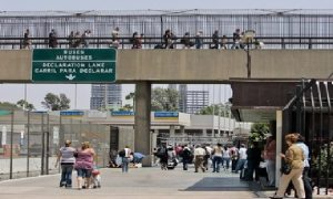 Monde: Un Mexicain se suicide du haut d'un pont après avoir été expulsé des États-Unis
