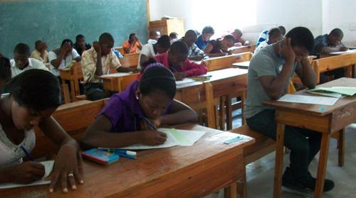 Haiti: Des mesures spéciales pour des élèves ayant raté leurs examens