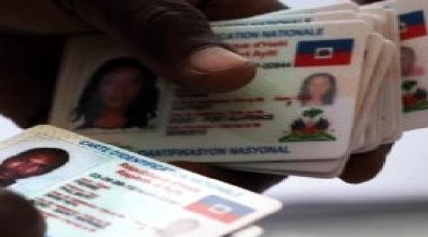Monde: Plus de 53,000 haïtiens en RD ont demandé la nouvelle carte d'identité haïtienne