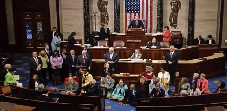 Monde: : Des membres du Congrès américain contre le référendum constitutionnel de Jovenel Moïse