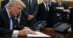 Monde: Michael Dubke, directeur des communications de la Maison-Blanche, démissionne