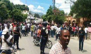 Haiti: Une manifestation des partisans du député de Petit Goâve transformée en anti Jovenel Moïse