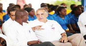 Haiti: Le P.D.G. de Grupo M, Fernando Capellan, est pour l'augmentation du salaire minimum
