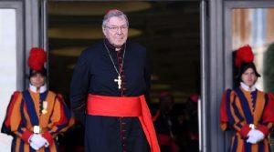 Monde: Le cardinal George Pell, numéro 3 du Vatican, inculpé en Australie pour pédophilie