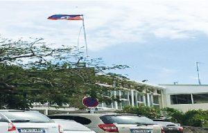 Monde: Un mois de prison pour avoir hissé le drapeau haïtien à la préfecture de Saint-Martin