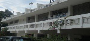 Haiti: Une délégation du Ministère de l'Éducation Nationale barricadée  au Lycée Faustin Soulouque