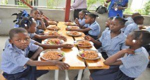 Haiti: 350,000 écoliers bénéficiaires du Programme National de Cantines Scolaires