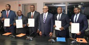 Haiti: Le Premier Ministre, Dr Jack Guy Lafontant, procède à l'installation de cinq nouveaux ministres