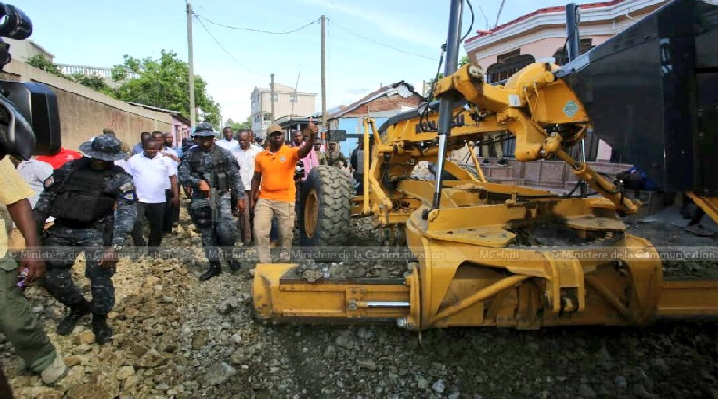 Haiti:  Jovenel Moïse relance les grands chantiers en infrastructures routières
