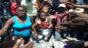 Haiti: Les sinistrés du séisme expriment leur colère contre les autorités gouvernementales