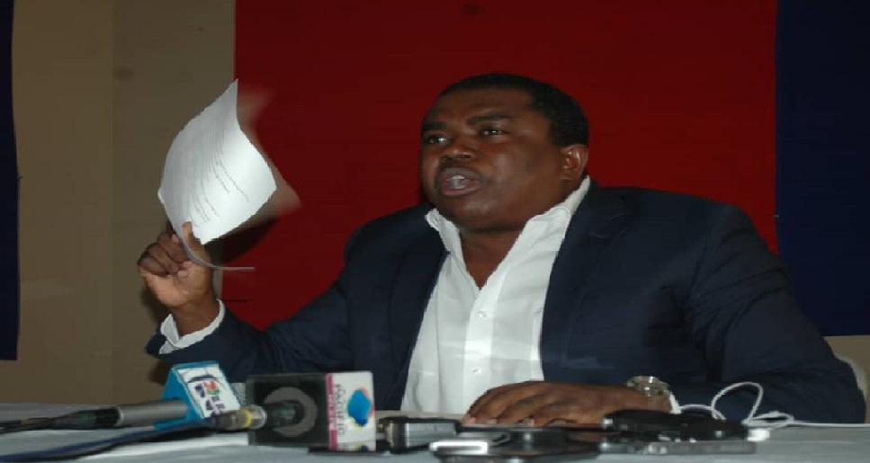 Haiti: André Michel contre la régularisation de vente et d'achat de matériels destinés à la sécurité du pays