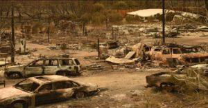 Monde: 30 personnes miraculeusement sauvées dans une église pendant l'incendie meurtrier en Californie