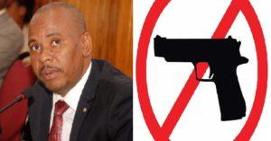 Haiti: Un policier proche du sénateur Nennel Cassy en isolement pour détention illégale d'arme à feu
