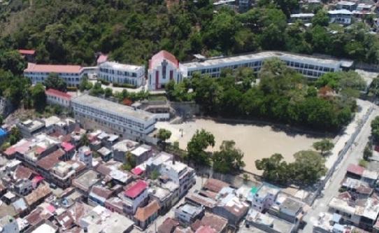 Haiti: Des squatteurs armés, sans foi ni loi, détiennent des portions de la propriété du Collège Notre Dame
