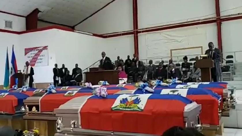 Monde: Funérailles de 22 migrants Haïtiens noyés au large des Bahamas