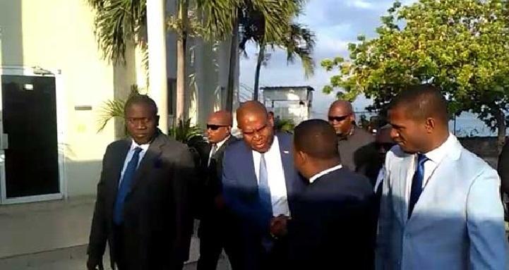 Haiti:  Jean Henry Ceant censuré, les négociations pour un nouveau gouvernement lancées