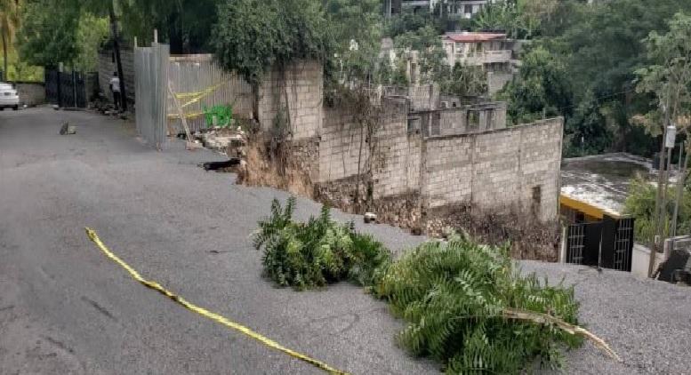 Haiti: Effondrement d'une partie de la chaussée à la rue Marcadieu