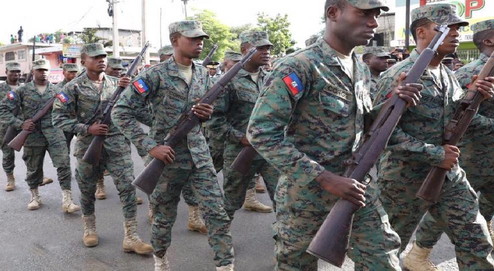 Haiti: Les Forces Armées d'Haïti (FAD'H) s'agrandissent et se renforcent