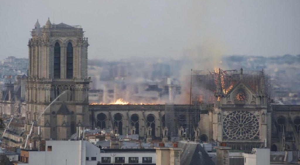 Monde: Le groupe LVMH et la famille Arnault annoncent 200 millions d'euros pour la reconstruction de Notre-Dame