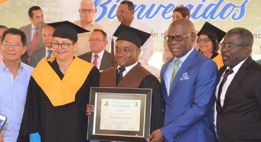 Monde: 4 boursiers haïtiens, dont un lauréat, diplômés en République dominicaine