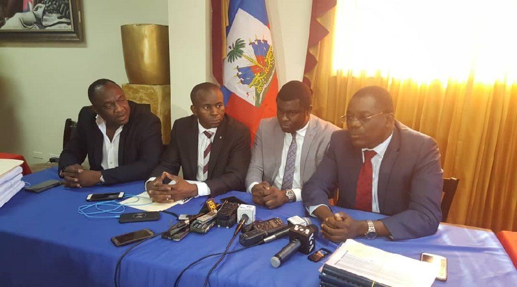 Haiti: Garcia Delva, Jean Henry Ceant et Vladimir Jean Louis se sont entretenus avec Arnel selon la commission