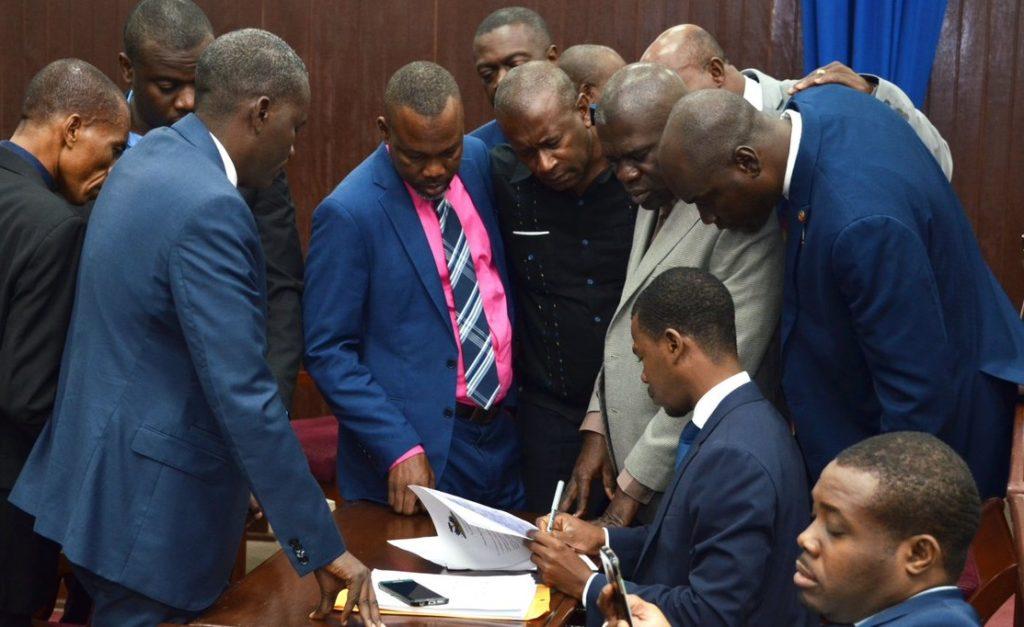 Haiti: La séance de mise en accusation du président Jovenel Moïse pour crimes de haute trahison, reportée