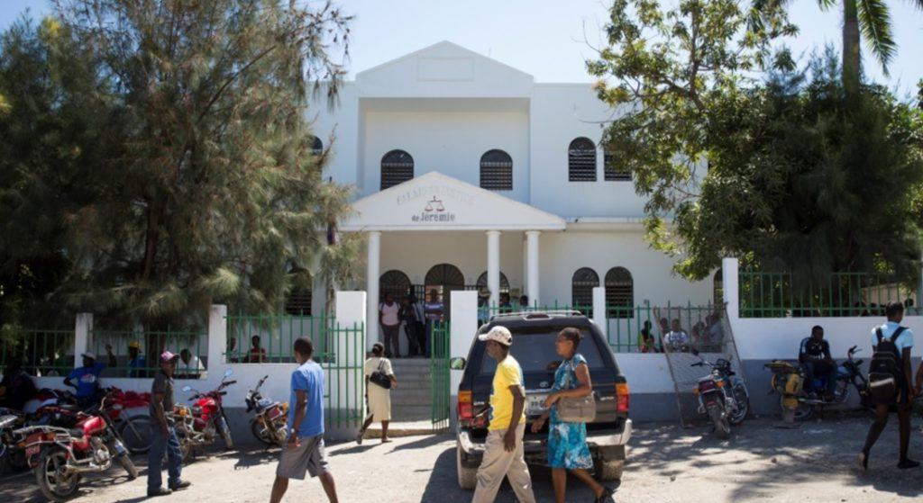 Haiti: Le Juge Jean Baptiste Louis Jean suspendu  après la libération d'un Pasteur coupable de viol