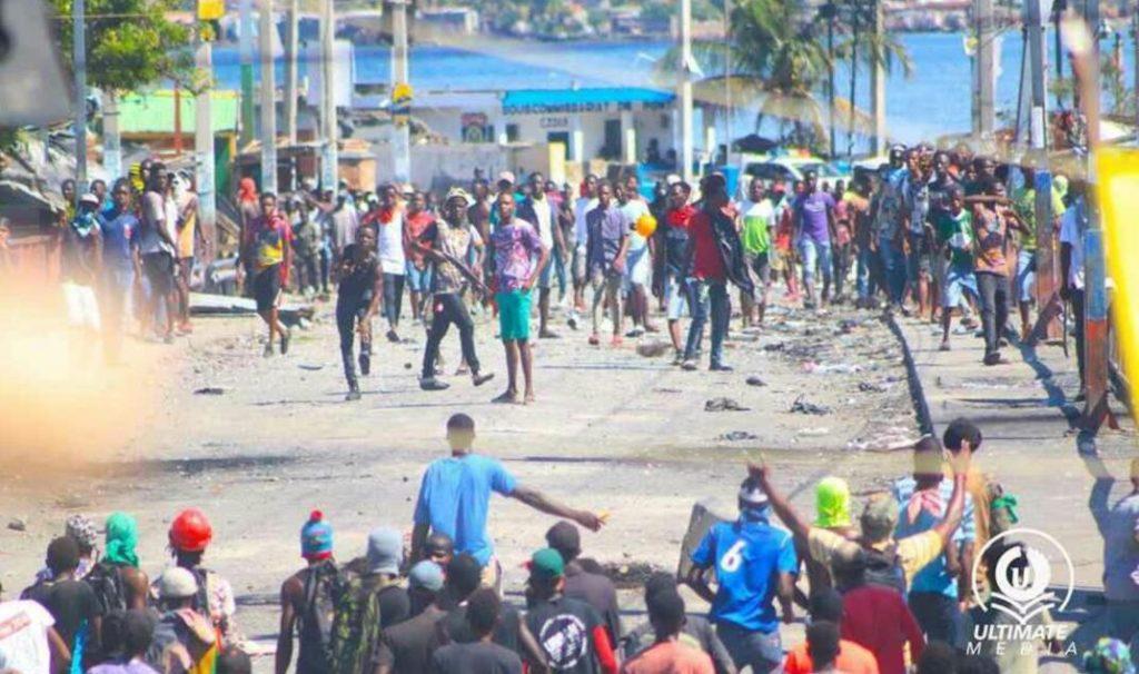 Haïti: Affrontements en pleine rue entre deux groupes rivaux, pro et anti Jovenel Moise