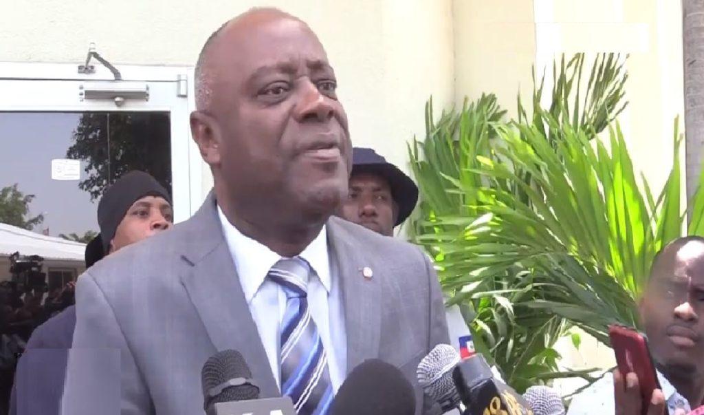 Haiti: Frustré, le sénateur Sorel Jacinthe tente d'attirer les regards