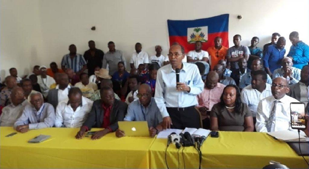 Haiti: L'opposition plurielle signe l'Entente Politique de la Transition sans Fanmi Lavalas