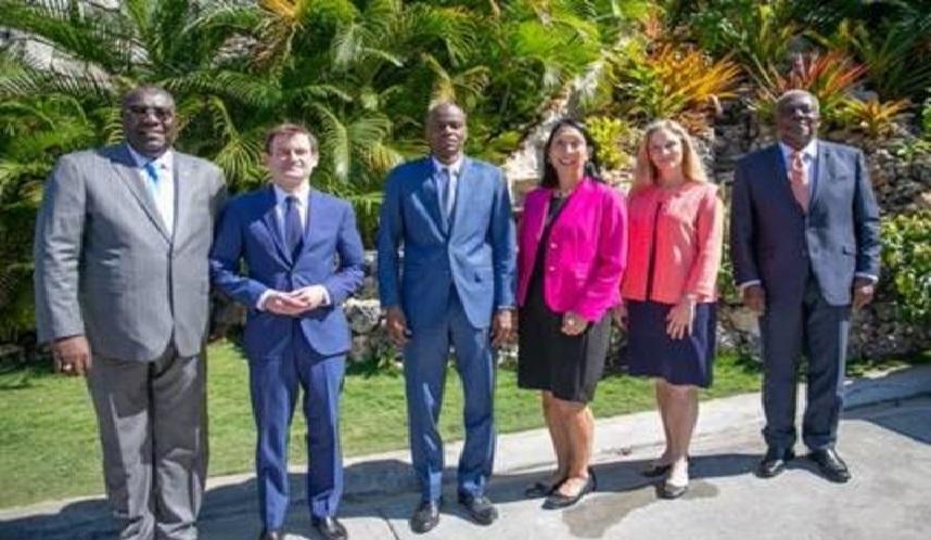 Haiti: Le sous-secrétaire d'État américain aux Affaires Politiques, David Hale, rencontre Jovenel Moise